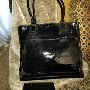 Patent leather (Faux) tote w/ cosmetic bag